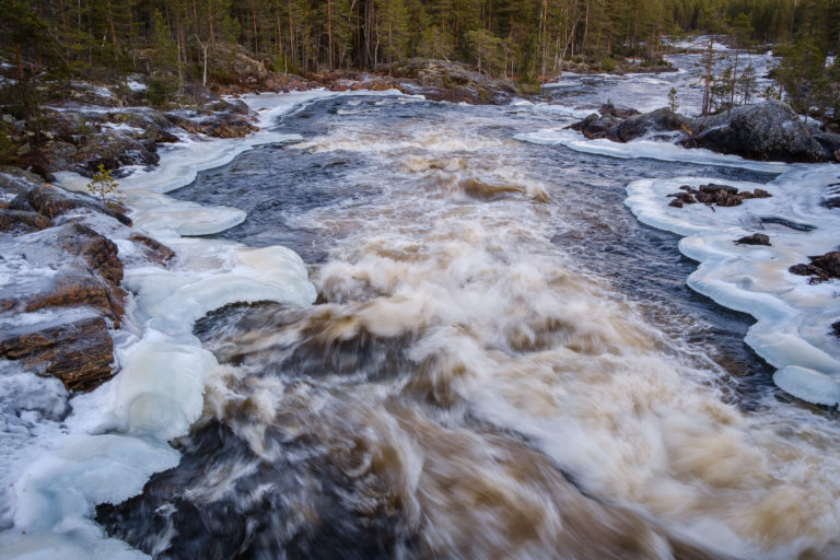 Hylströmmen i Voxnan nu i januari. . .